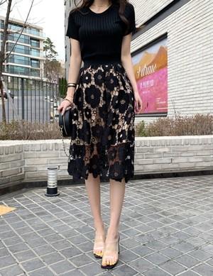 ブラックフラワーレーススカート