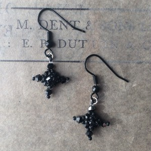 black cross:piace,earring