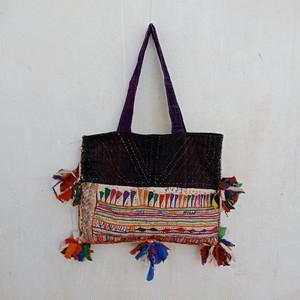 ラバリ族のvintage刺し子刺繍 ポンポントート