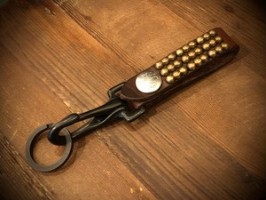 THREE BEAD KEY FOB (BROWN) / METAL JACKET