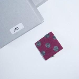 あとりえMOON 刺繍ブローチ 角 ピンク×グレー 【布小物】