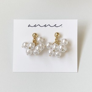 bloom pearl earring