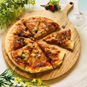 全て北海道産のシーフードを具材に使用しているシーフードピザ!!