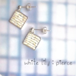 white lily:pierce,earring