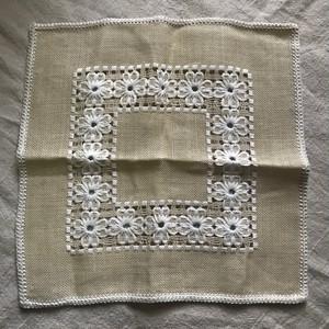 スウェーデン刺繍の小さな布