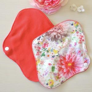 【秋・冬女性のためのおまたdeカイロ用布ナプキン】Photographing flower【pantyliner】