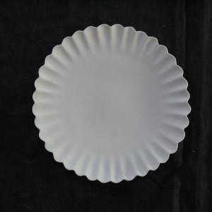 白磁輪花プレート