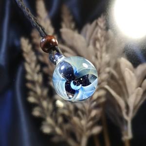 きらめくガラスの宇宙ペンダント/【訳あり品】20200811-3