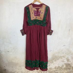 Vintage アフガニスタン 刺繍のワンピース