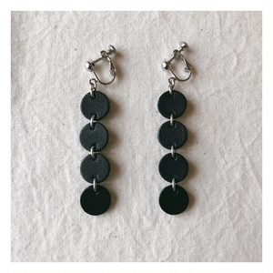 ○○○○earring / black