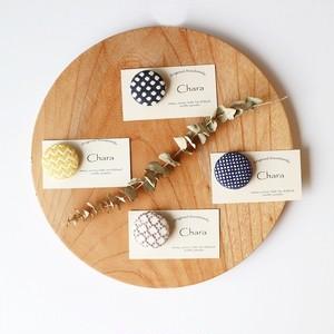 刺繍のサークルブローチ