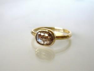 ナチュラルダイヤモンドの指輪(チョコレートブラウン)