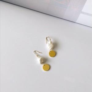 pearl earring #4