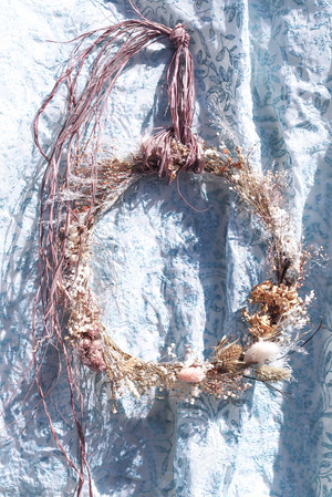 Dried flower wreath 004