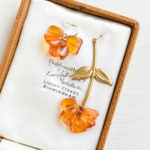 【ピアス・イヤリング】天然 琥珀の押し花