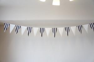 布ガーランド フラッグ 旗 結婚式 パーティー キャンプ 店舗装飾 飾り 紺ストライプ