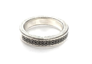 b-rogo engraving Ring [cut off]