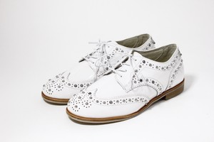 studs wing-tip(white)