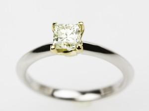 k18/pt900枠ダイヤモンド0.73ctリング