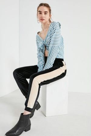 [URBAN OUTFITTERS] UO Striped Velvet Jogger Pants 10SE016-17 |インスタでも話題の海外セレブ系レディースファッション Carpe Diem
