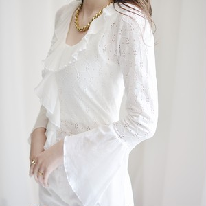 flare sleeve cut lace frill tops