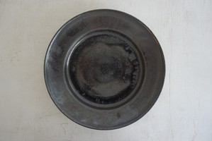 松田靖代 リム皿 8寸 グレー