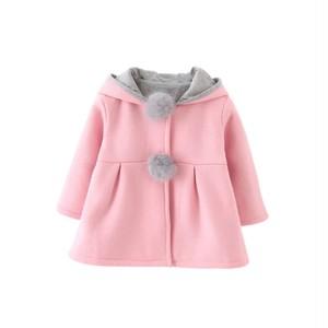 ウサギ耳つきコート