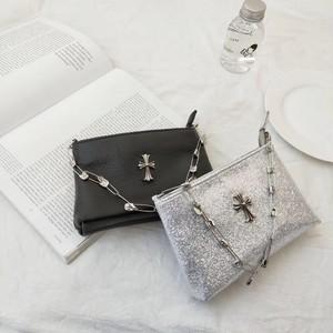 クロムリアルレザーピンチェーンバッグ(Black,Silver) 12800