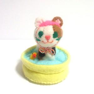 ビニールプール(三毛猫)