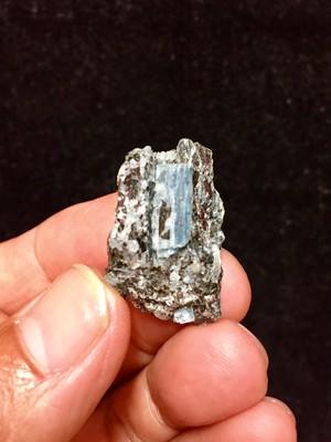 3) ロシア産カイヤナイト