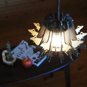「黒猫と白ねずみ」木製ペンダントライト