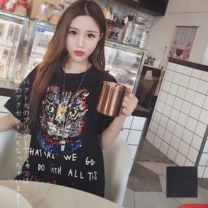 インパクト大のプリントTシャツはコーデのアクセントにもなっちゃいます!☆プリントTシャツ 夏コーデ セレブTシャツ インパクト デニムと合わせやすい 猫 イラスト ロゴT