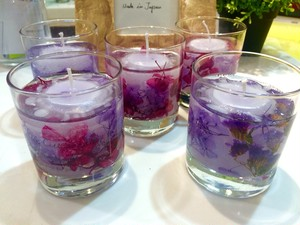 Botanical gel candle purple