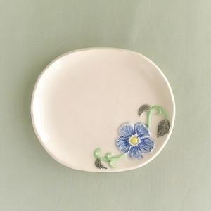 青花楕円小皿