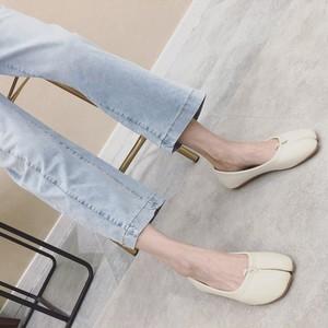 足袋フラットシューズ ぺたんこ 楽ちん 合皮 革 黒 ブラック 白 ホワイト 黄 イエロー 履きやすい 歩きやすい 個性的 韓国
