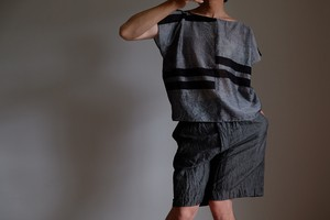スクエアー フレンチスリーブ シャツ / コットン シャンブレー 太ボーダー 和【 黒 】 / square french sleeve shirt cotton chambray stripe【black】 boat neck