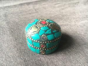 チベットの宝物入れ