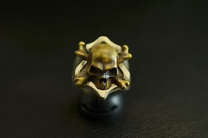「WAKUGAI」cross bone ring