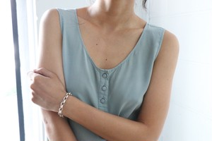 silk sleeveless tops
