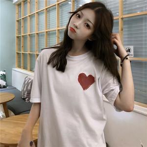 ハートプリントのカジュアル半袖Tシャツ