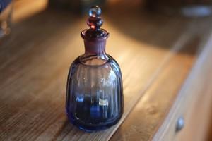 ◆森永豊 **モリナ透明硝子工房** <吹き硝子>◆◆◆二重丸栓付き瓶・ぶどう・瑠璃◆◆◆