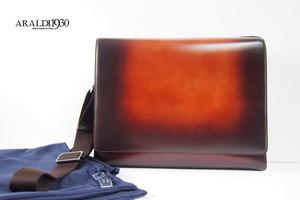 アラルディ|ARALDI 1930|クロコダイルレザー装飾|斜め掛けレザーショルダーバッグ|パティーヌ |タンポナート|ブラウン