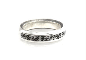 b-rogo engraving Ring