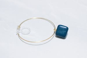磁器のフープイヤリング/樹脂ピアス【Peacock Blue】 *片耳分