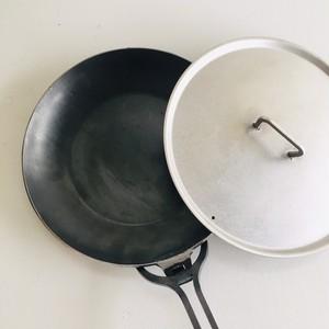 西永工業 鉄製フライパン 大 (蓋、取手付き)