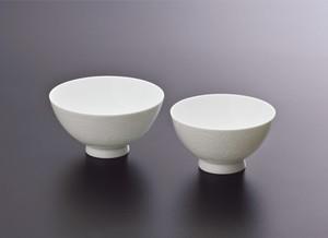 No.110【井上萬二窯作】白磁百合彫文飯碗(大)