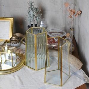 フラワーベースソリッド 花瓶 フラワーベース おしゃれ インテリア  花瓶 フラワーベース フレームポット ガラス ブラス 角型 ゴールド  ガラスアンティーク風 ボトルベース おしゃれ