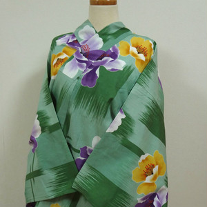 緑色に紫と黄の花 レトロ浴衣