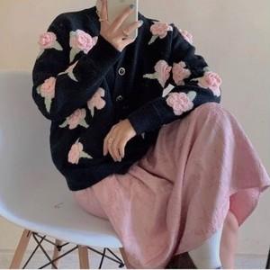 3D rose knit