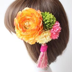 オレンジのラナンキュラス、マムの髪飾り